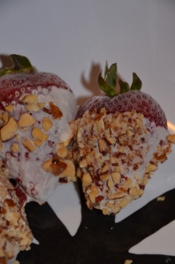 Yogurt Blue Diamond Almond Strawberries